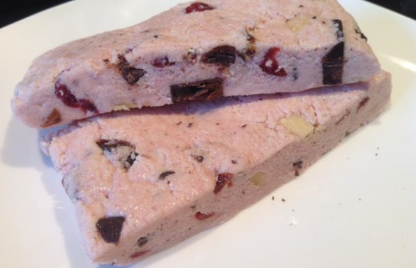 Quest-style-mixed-berryalmond-bars.-PC